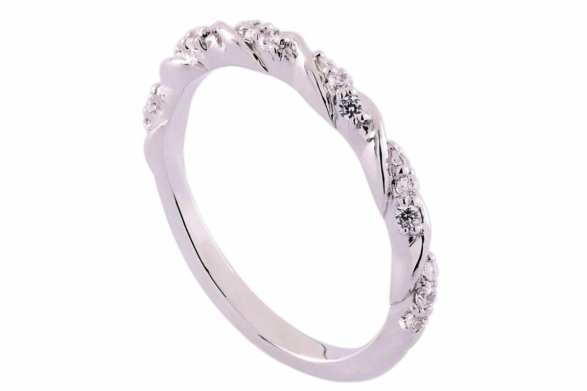 tok_jewellers_taylor_twist_18k_white_gold_and_diamond_wedding_ring.jpg